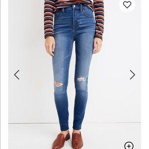 Madewell Roadtripper Jeans Knee-Rip Edition 27